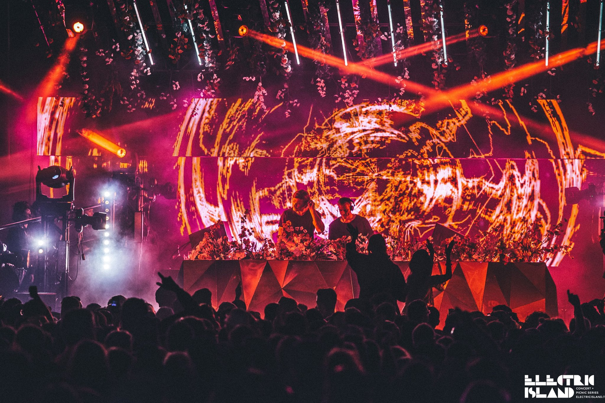 Lighting, Visuals & mirror stage used at Electric Island Canada Day: Ben Klock vs. Marcel Dettmann